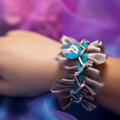 Picture of Charlotte Mola Ribbon Bracelet with Moon Kii Charm (Blue)