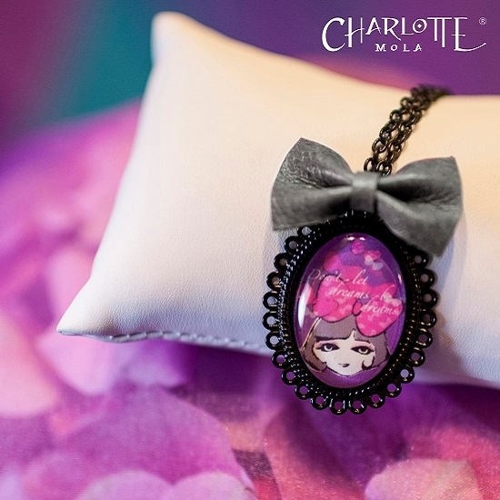 Picture of Charlotte Mola Long Necklace (with small leather bow)